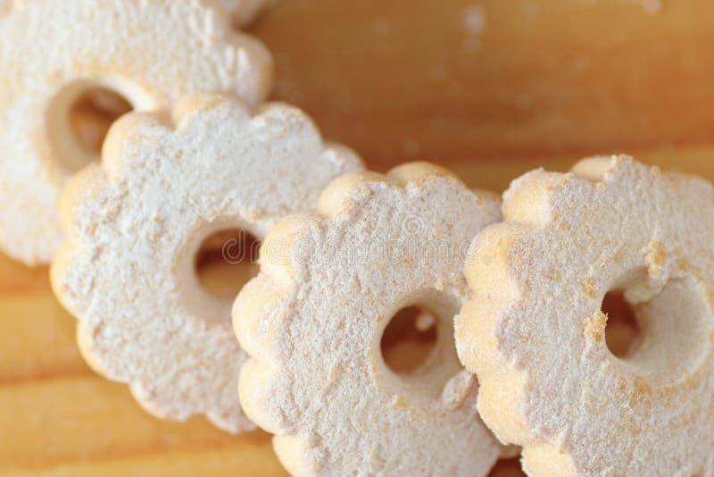 Biscotti di Canestrelli dell'italiano su una tavola immagine stock libera da diritti