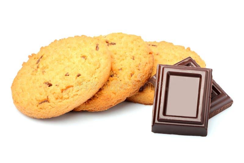 Biscotti di farina d'avena con cioccolato isolato fotografie stock