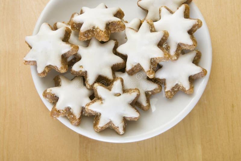 Biscotti Di Natale Zimtsterne.Biscotti Di Zimtsterne Immagine Stock Immagine Di Stella 12267881