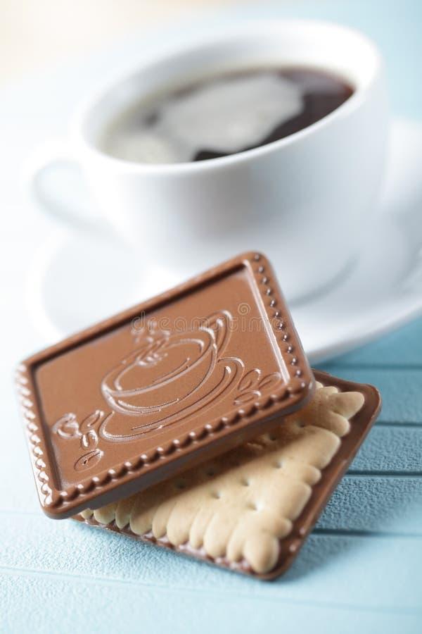 Biscotti e caffè del cioccolato fotografia stock libera da diritti