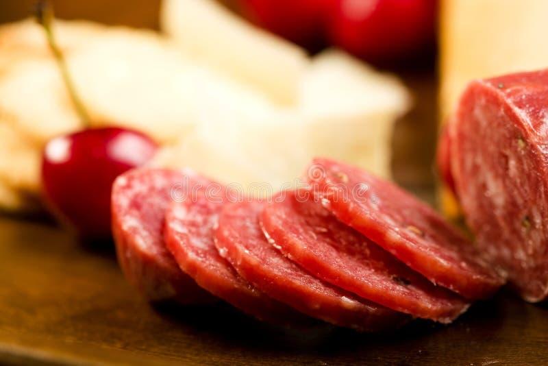 Biscotti e salame dello shortbread del parmigiano immagini stock
