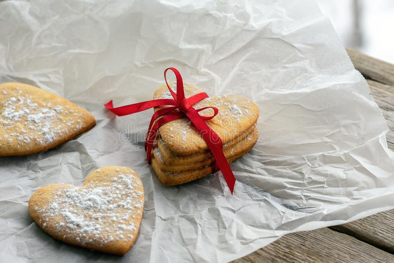 Biscotti in forma di cuore fotografia stock libera da diritti