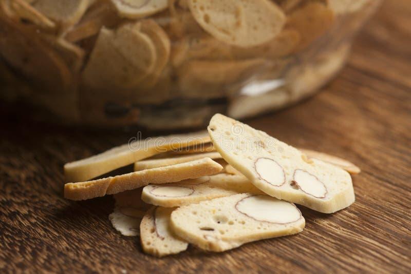 Biscotti italiani, biscotti con la mandorla fotografie stock libere da diritti
