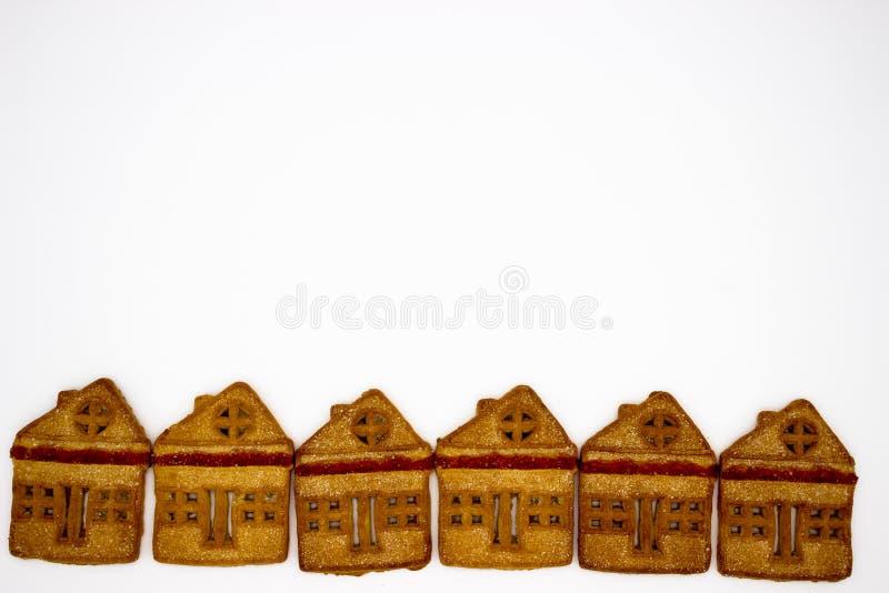 Biscotti magnifici e deliziosi sotto forma di costruzione di uno piani Immagine isolata Copi lo spazio fotografie stock libere da diritti