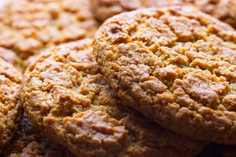 Biscotti marroni casalinghi immagini stock