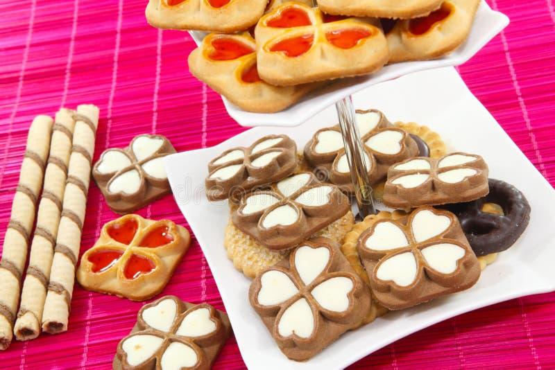 Biscotti sul supporto a file immagine stock
