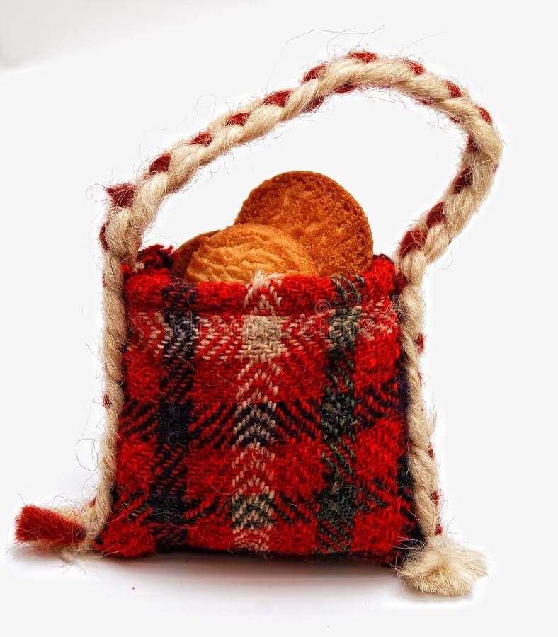 Biscotti in un sacchetto handmade tradizionale del regalo immagine stock libera da diritti