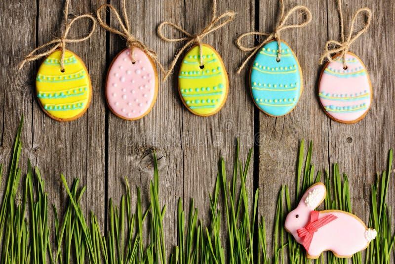 Biscotto casalingo del pan di zenzero di Pasqua immagine stock