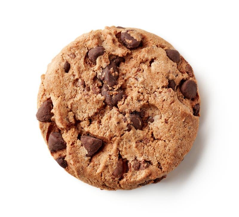 Biscotto di pepita di cioccolato fresco isolato su bianco, da sopra fotografie stock libere da diritti