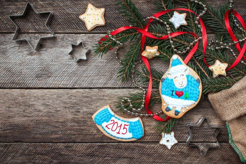 Biscotto 2015 e pasticceria delle pecore di simbolo del nuovo anno fotografia stock libera da diritti