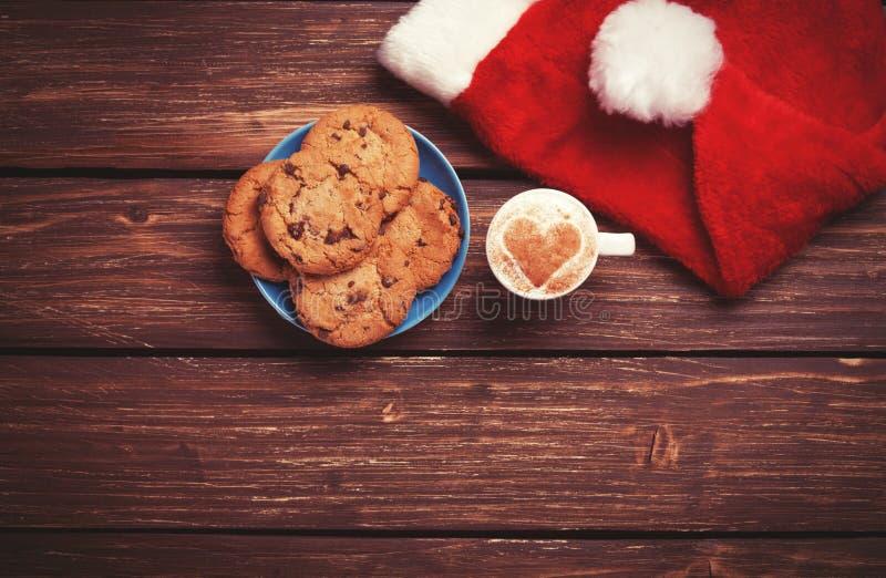 Biscotto e tazza immagini stock