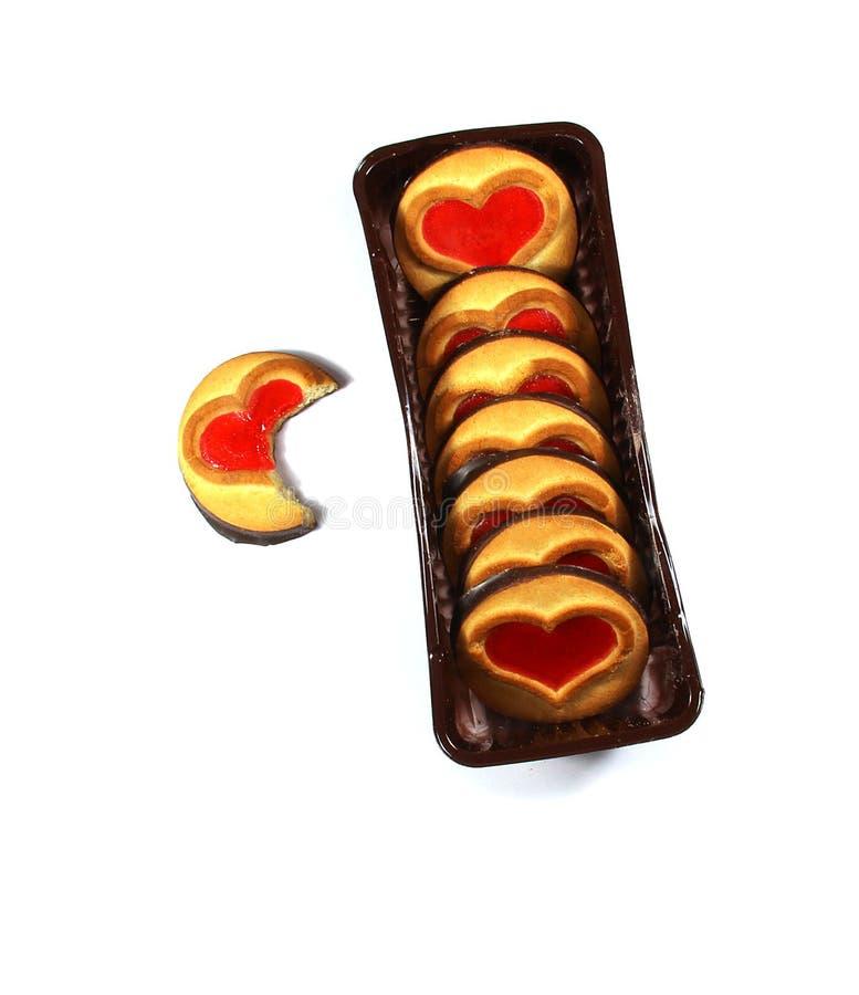 Biscuit avec un coeur, symbole de l'amour, d'isolement image libre de droits