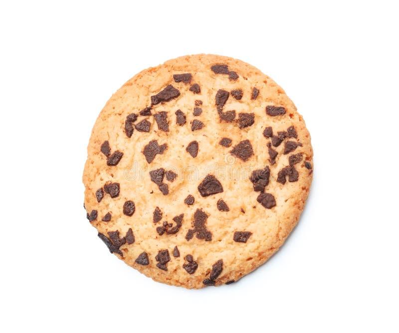 Biscuit délicieux avec des puces de chocolat sur le fond blanc images stock