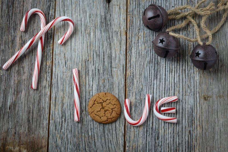 Biscuit de canne de sucrerie, de Noël Bells et de pain d'épice photos libres de droits