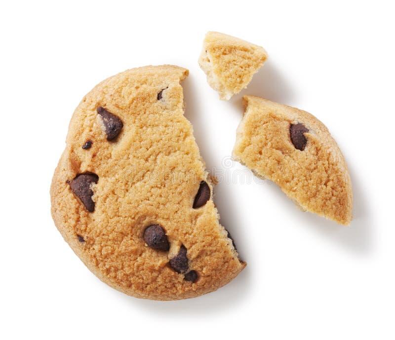 Biscuit de puce de chocolat sur le blanc image stock