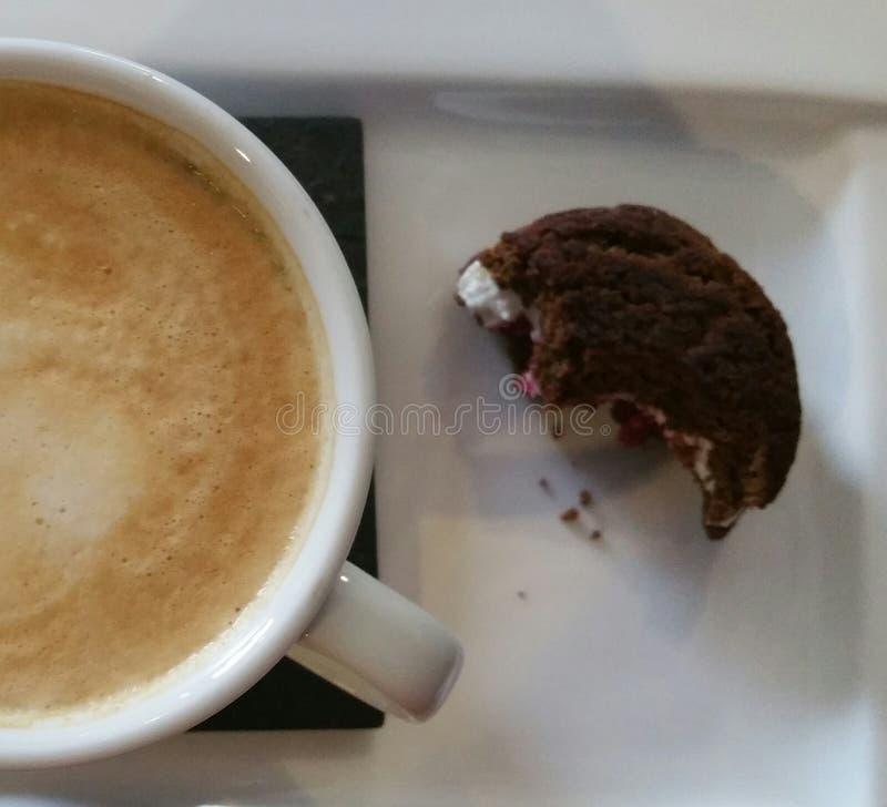 Biscuit et café images libres de droits