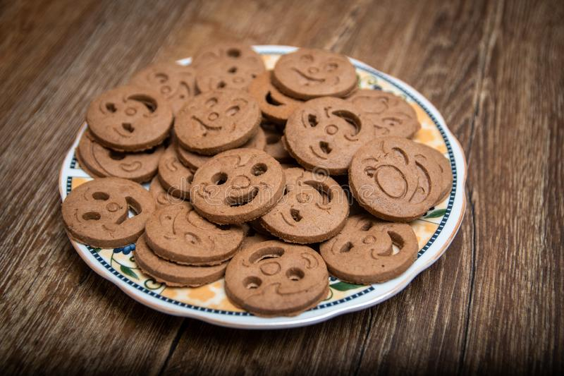 Biscuits arrondis sous forme de smiley photos libres de droits