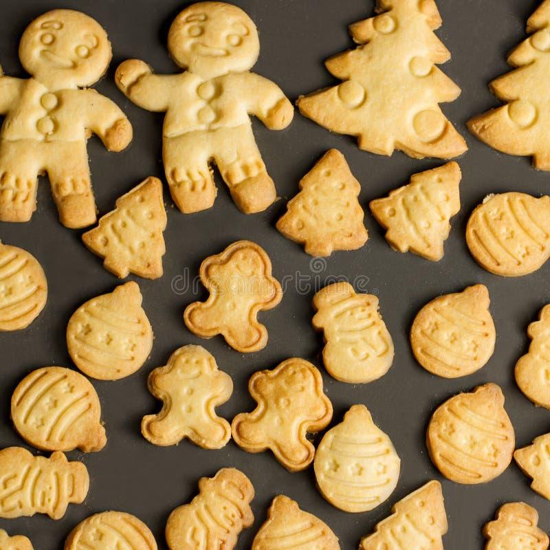 Biscuits cuits au four de Noël étroitement, vue supérieure images libres de droits