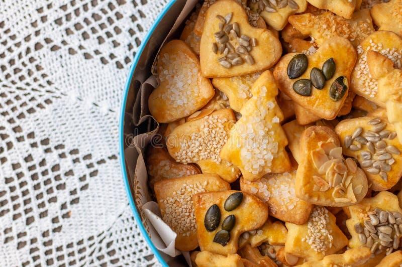 Biscuits cuits au four pour Noël V images libres de droits