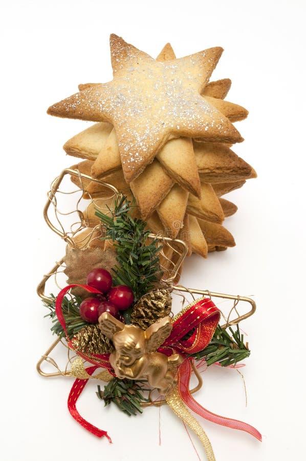 Biscuits d'étoile et arbre de Noël photo stock