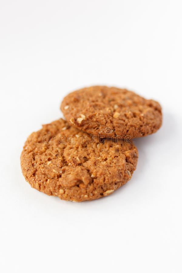 Biscuits d'avoine sur le fond blanc photo stock