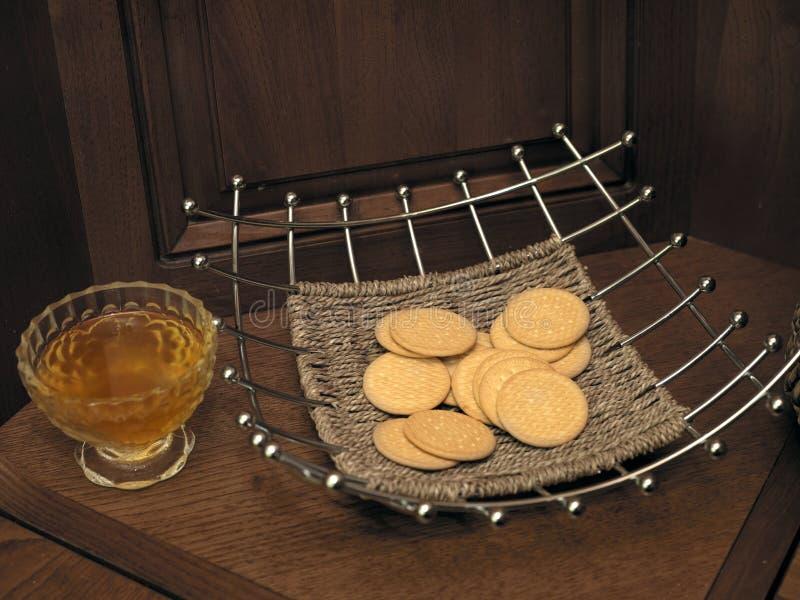 Biscuits dans le vase photographie stock libre de droits