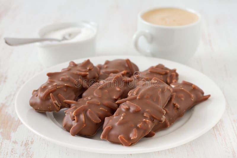 Biscuits de chocolat avec du café photo libre de droits
