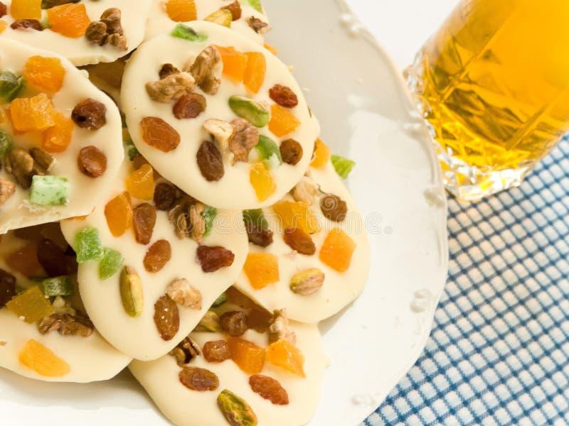 Biscuits de chocolat et glace de jus image stock