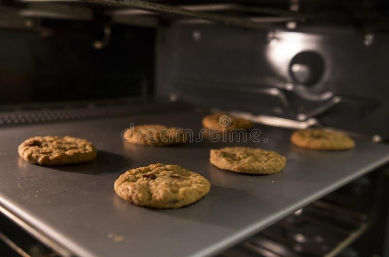 Biscuits de cuisson photos stock