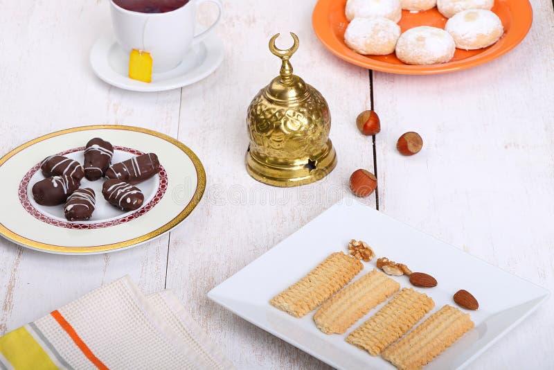 Biscuits de festin islamique d'EL Fitr photographie stock libre de droits