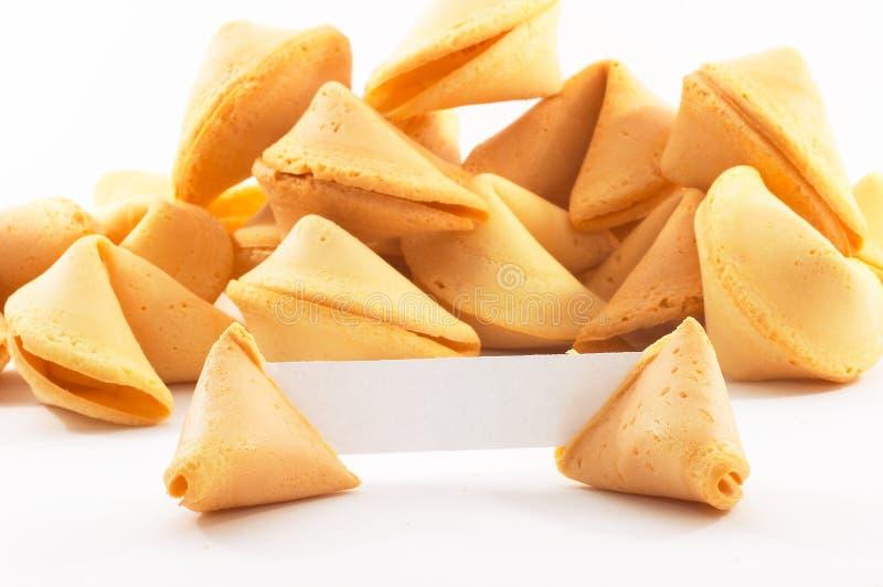 Biscuits de fortune chinois avec le papier blanc blanc photo libre de droits