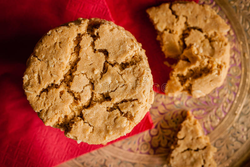 Biscuits de gingembre et de mélasse photographie stock libre de droits