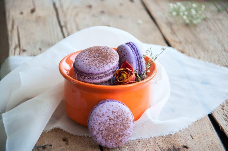 Download Biscuits de Macaron photo stock. Image du crème, dessert - 87709600