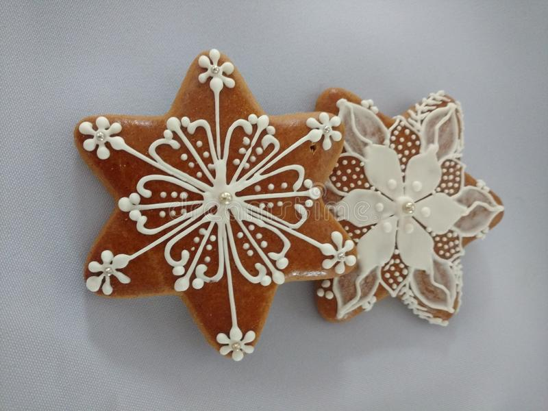 Biscuits de Noël de pain d'épice faits main, unique photos stock