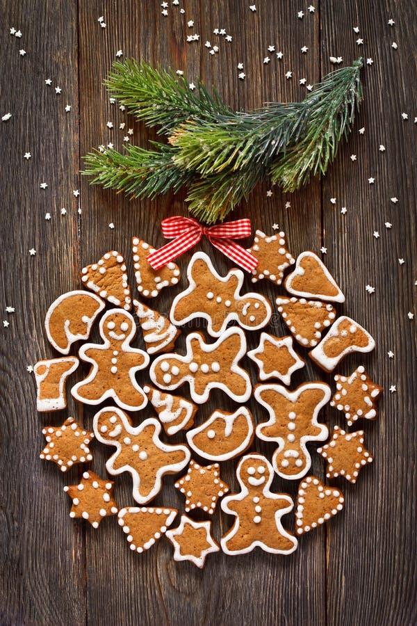 Biscuits de pain d'épice de Noël photo stock