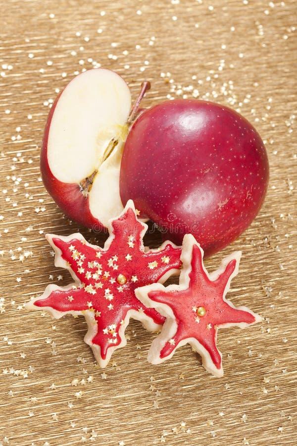 Biscuits de pomme de Noël photos libres de droits
