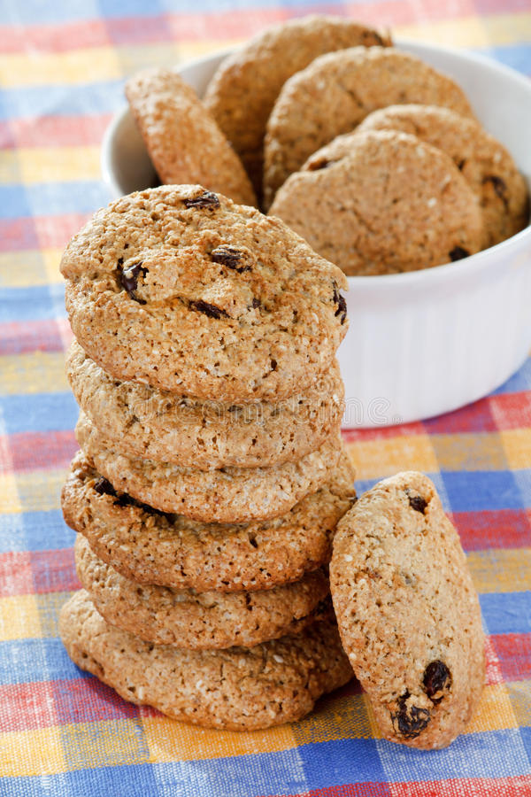 Biscuits de raisin sec de farine d'avoine photo stock