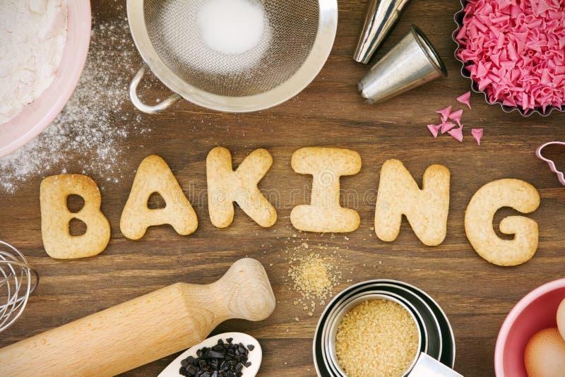 Biscuits de traitement au four photo stock