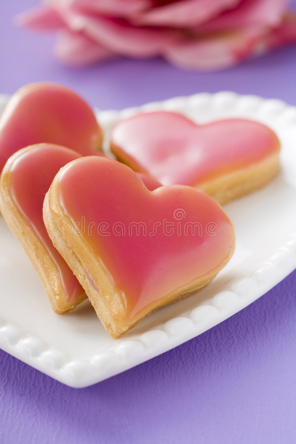Biscuits en forme de coeur photos stock