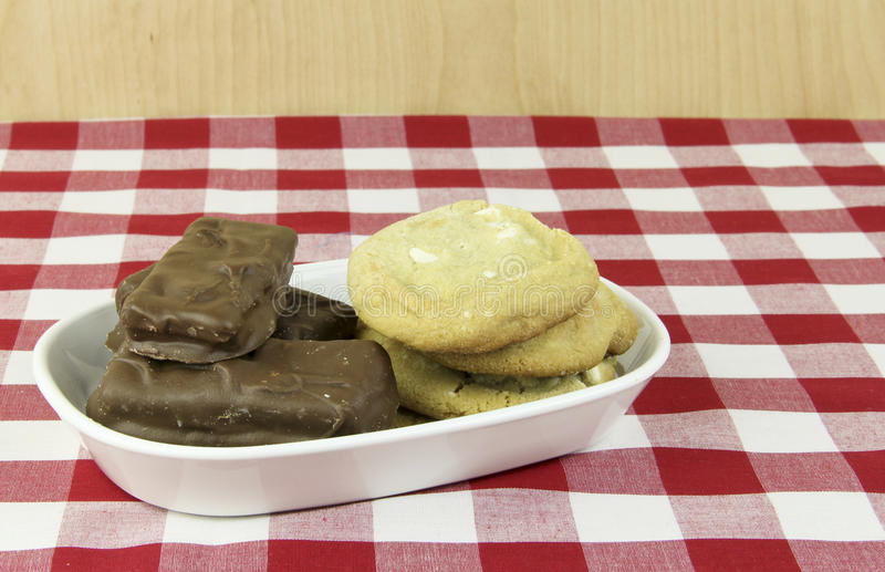 Biscuits et festins de chocolat photographie stock libre de droits