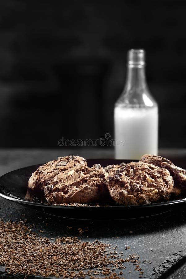 Biscuits et lait II photographie stock