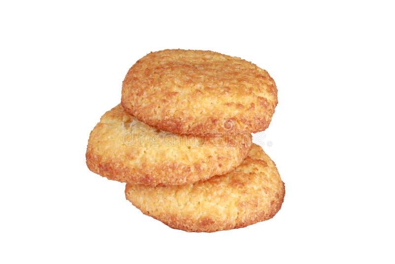 Biscuits faits maison de biscuits, avec des puces de noix de coco d'isolement sur le blanc photo stock