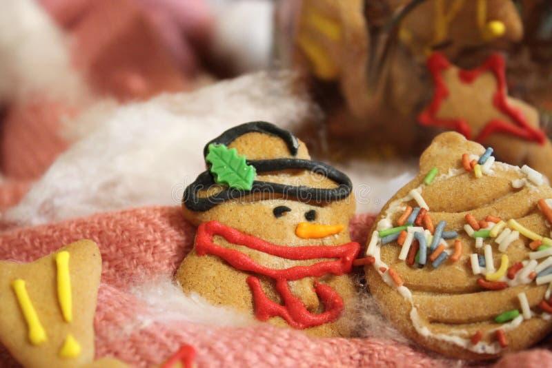 Biscuits faits maison de Noël dans un pot photo stock