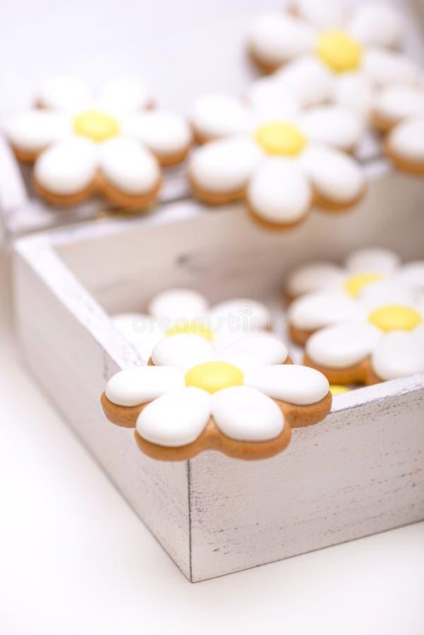 Biscuits faits maison en gros plan de pain d'épice photo stock