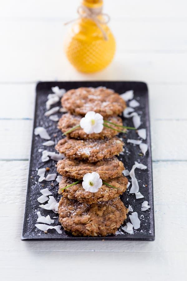 Biscuits, farine d'avoine et noix de coco d'Anzac photos stock