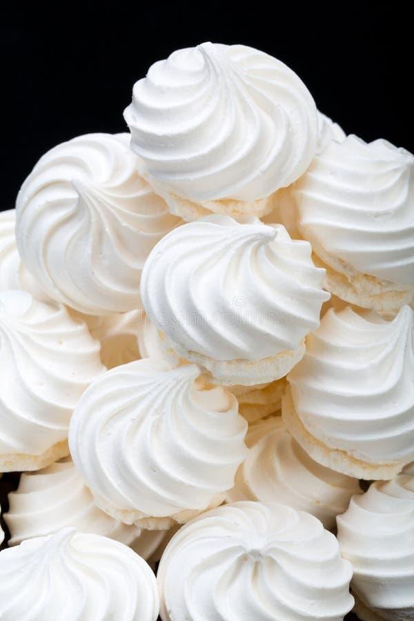 Biscuits français de meringue de vanille photographie stock