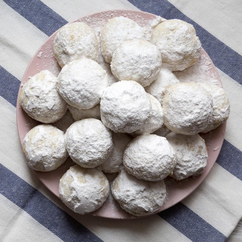 Biscuits les épousant mexicains blancs faits maison de plat rose, vue aérienne Vue supérieure, d'en haut images libres de droits
