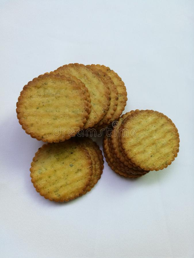 Biscuits minces d'isolement image stock