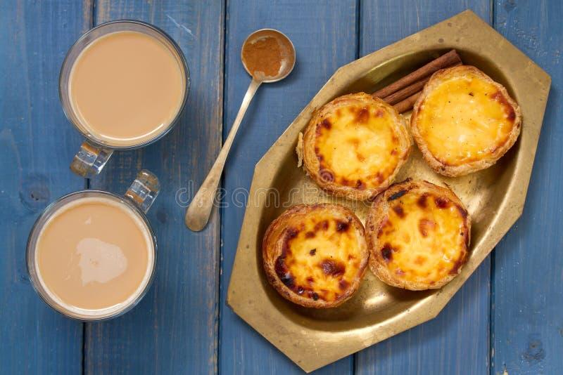 Biscuits traditionnels portugais sur le plat images libres de droits