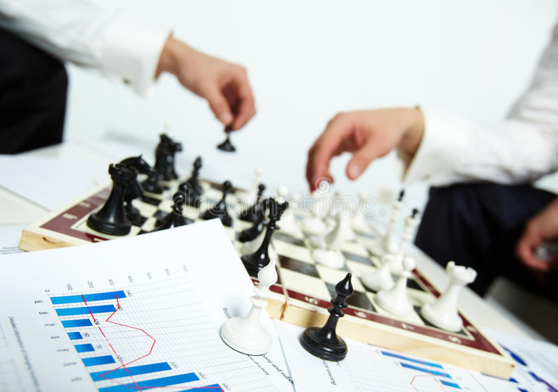 Bishops da xadrez imagem de stock royalty free